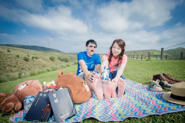 便服婚紗: 陽光草坪休閒婚紗-婚攝Hawk